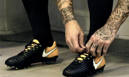 ไนกี้เติมความเรียบง่ายในสุดยอดรองเท้าฟุตบอลเทียมโป้ เลเจนด์ 7