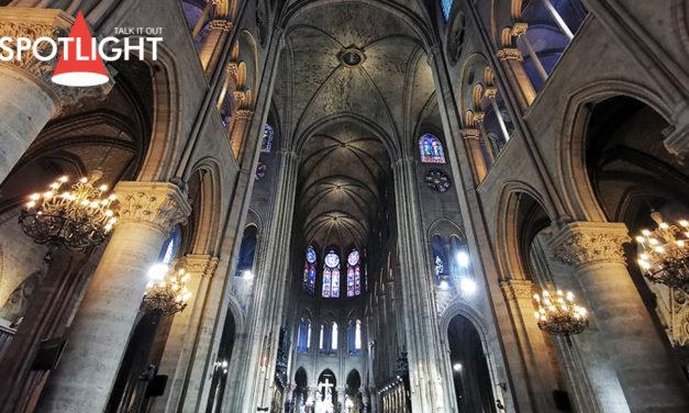 'Notre-Dame' จาก 'สุภาพสตรีของเรา' ที่กลายเป็นไอคอน